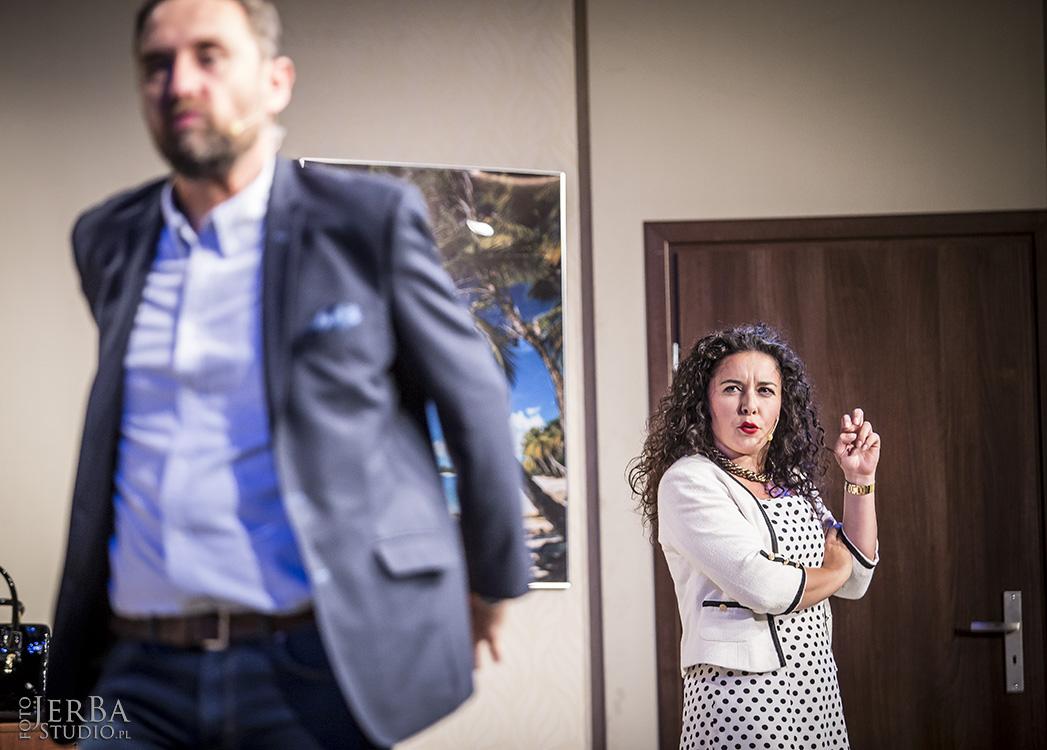 Pomoc domowa - Teatr Bagartela, Foto Jeremi Astaszow JerBa Studio (10)