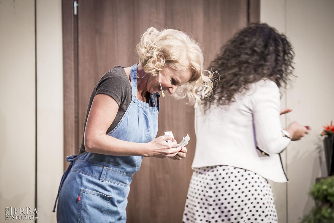 Pomoc domowa - Teatr Bagartela, Foto Jeremi Astaszow JerBa Studio (17)