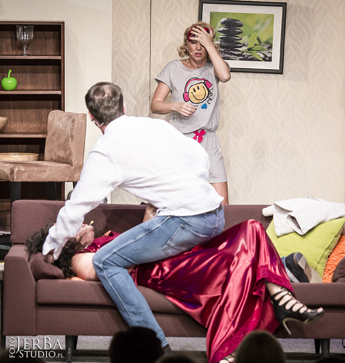 Pomoc domowa - Teatr Bagartela, Foto Jeremi Astaszow JerBa Studio (29)