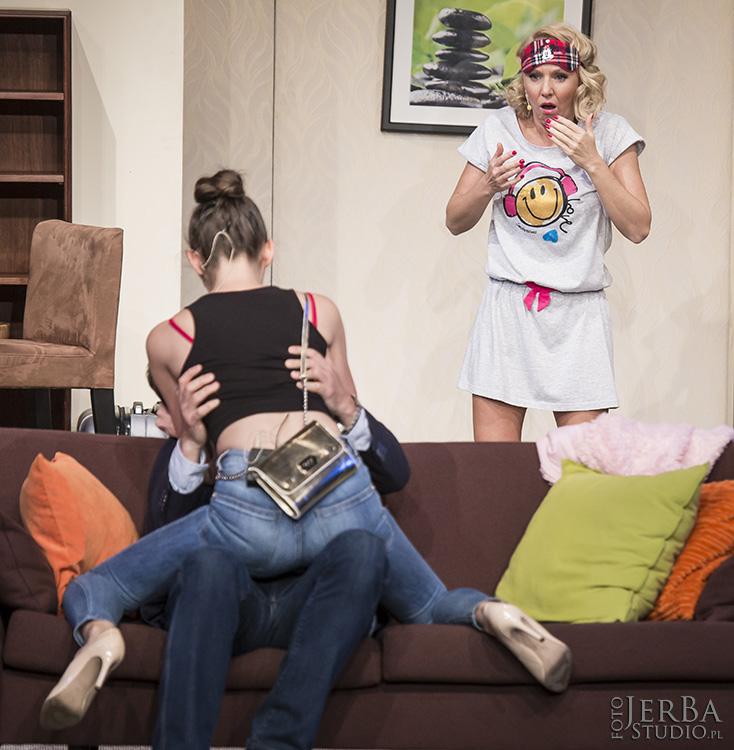 Pomoc domowa - Teatr Bagartela, Foto Jeremi Astaszow JerBa Studio (37)